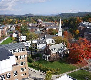 Dartmouth_College_campus_2007-10-20_10-300x263
